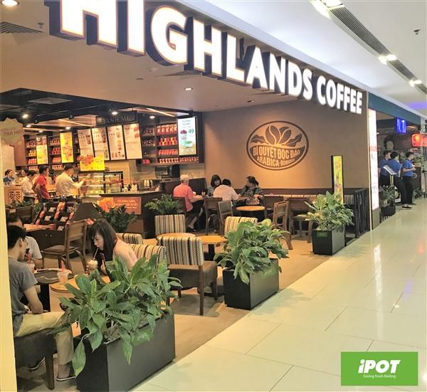 Vì sao Highlands Coffee chọn chậu composite iPOT?